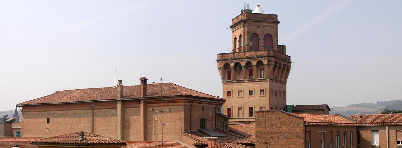 Veduta di Palazzo Poggi con torre della Specola