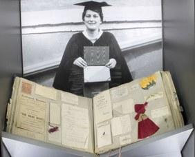 Album di una studentessa con i ricordi degli anni trascorsi al college, 1920-1924
