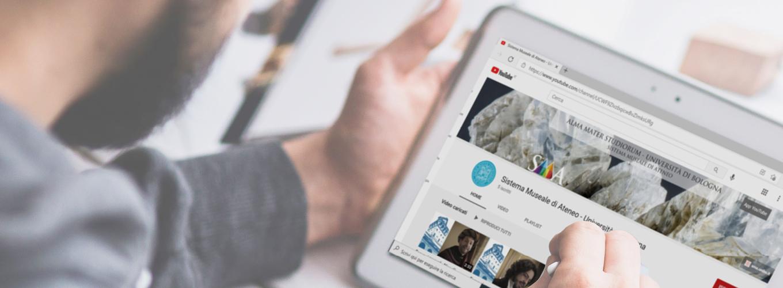 Tablet con schermata sul canale YouTube di SMA